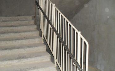 Ограждения лестничных маршей — изготовление и установка
