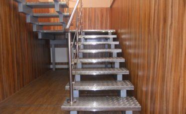 Металлическая лестница для здания Таможни
