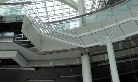 Металлические лестницы для ТРК «Лето»